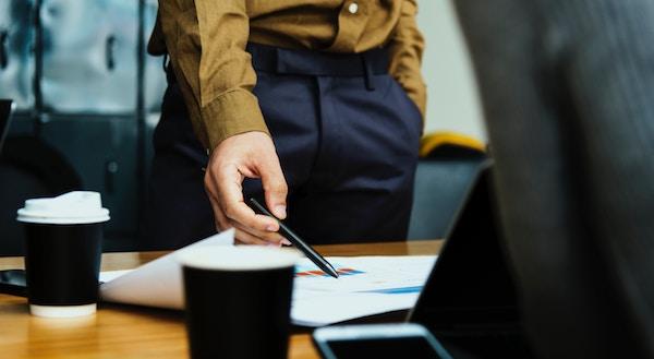 Come determinare il prezzo nel contratto di cessione di azioni o di quote