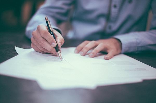 La tua guida per firmare un contratto