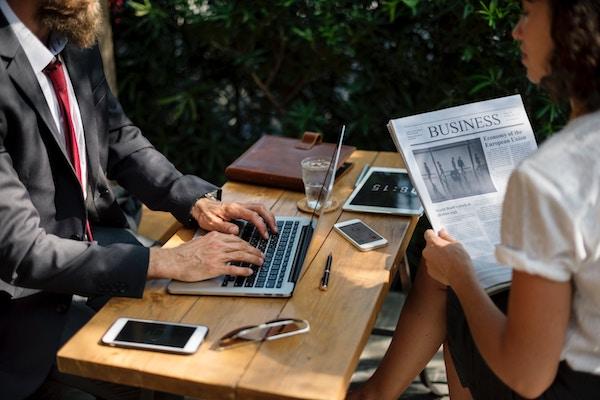 Differenza tra blog e giornale online: regole e requisiti